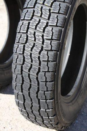 Jak si stojí celoroční pneumatiky v testech?