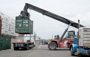 Pořídit si nákladní a dopravní techniku